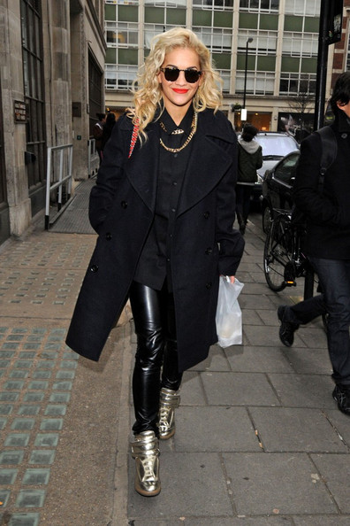 Rita-Ora-Gold-Sneakers
