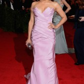 Paula Patton in Vera Wang