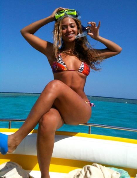beyonce-bikini-body-2012