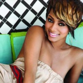 keri-hilson model in music industry