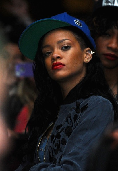 rihanna red lips