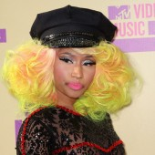 Nicki Minaj - stage makeup