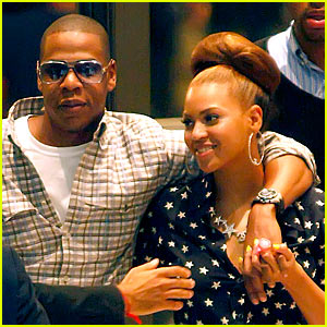 Beyonce Floppy bun