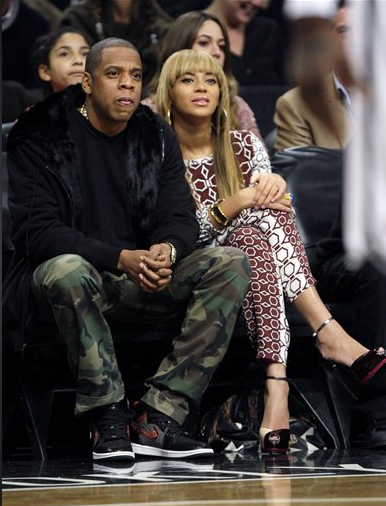 0-Beyoncés-Brooklyn-Nets-Home-Opener-Tibi-Alton-34-Sleeve-Top-and-Alton-Pants