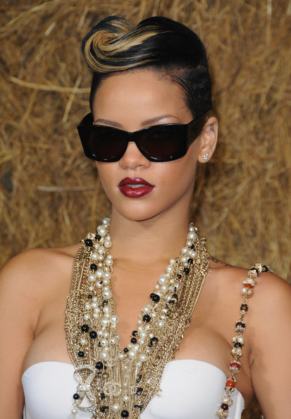 Rihanna top 12 hairstyles
