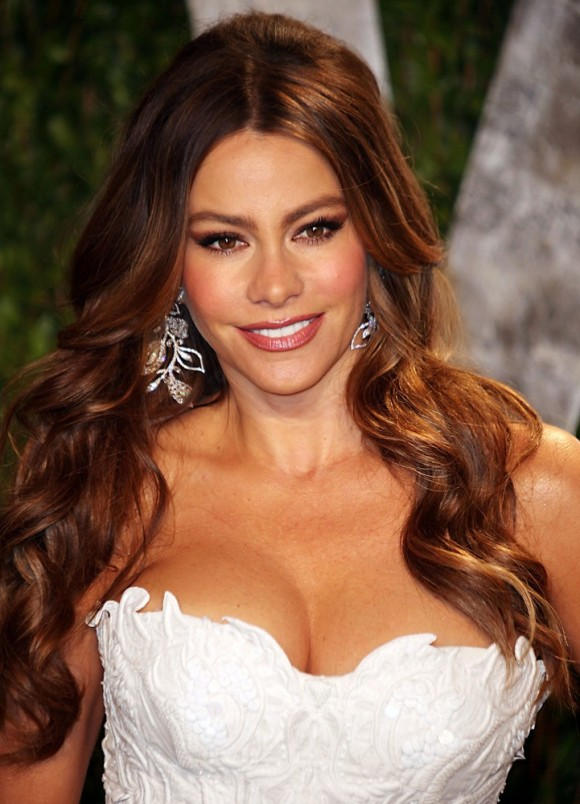 Sofia Vergara goes Blonde: Spring's Hot Hair Trend