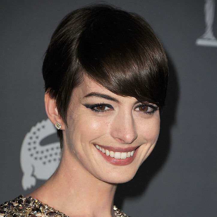anne hathaway cat eye