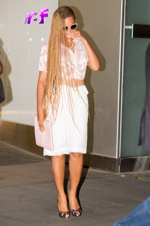 Beyonce with braids May 2014