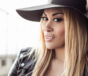 KeKe Wyatt debuts 'Fall In Love'