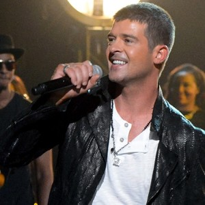 Robin Thicke performs 'Get Her Back' at 2014 Billboard Music Awards