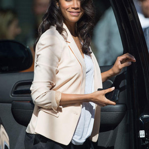 Zoe Saldana shows off her baby bump!