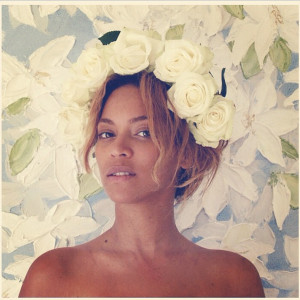 Beyoncé shares make-up free photo